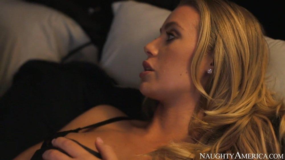 Видео худышка отдалась другу мужа, порно видео с самыми огромными сисярами